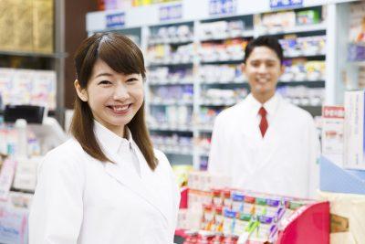 調剤薬局で働く薬剤師と管理薬剤師