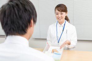 薬局で働く薬剤師